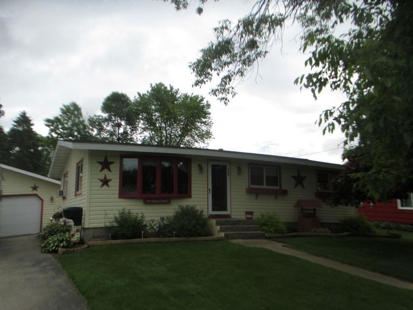 4306 4th Street, Menominee, MI 49858