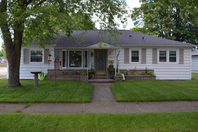 1612 27th Avenue, Menominee, MI 49858
