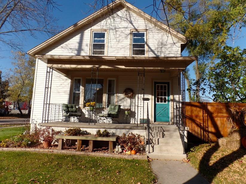 1720 Carney Avenue, Marinette, WI 54143