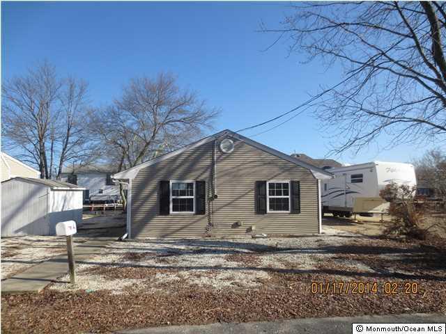 Photo of home for sale at 838 Oxgoose Drive Drive, Lanoka Harbor NJ