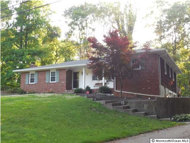 Photo of home for sale at 4 Princeton Street Street, Middletown NJ