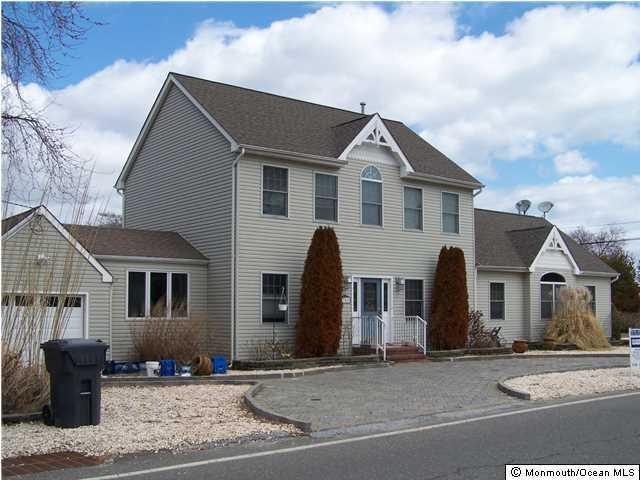 Photo of home for sale at 752 Princeton Avenue Avenue, Brick NJ