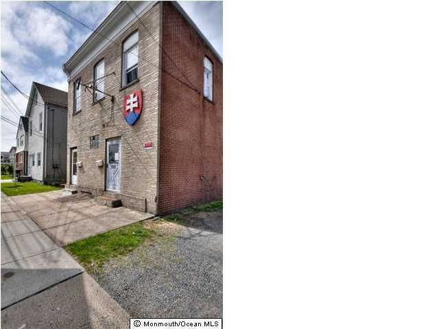 Photo of home for sale at Wood Avenue Avenue S, Linden City NJ