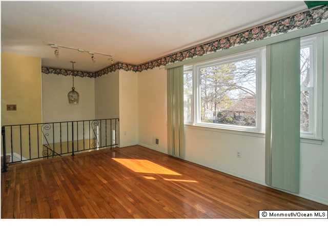 Photo of home for sale at 1012 Pacific Avenue Avenue, Beachwood NJ