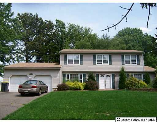 Photo of home for sale at 32 Briarwood Drive Drive, Old Bridge NJ