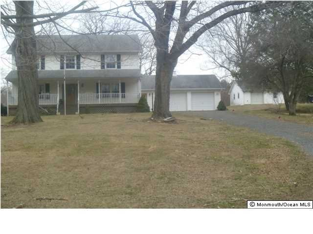 Photo of home for sale at 82 Millstone Road Road, Millstone NJ