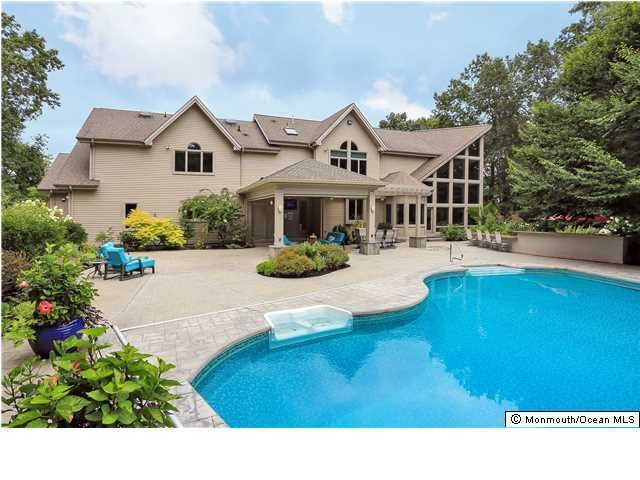 Photo of home for sale at 854 Perrineville Road Road, Perrineville NJ