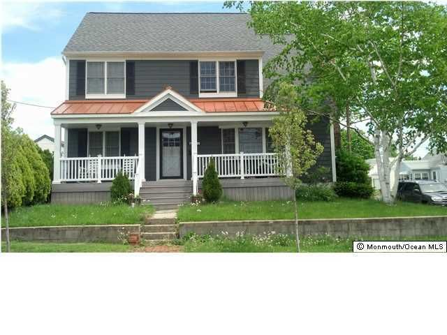 Photo of home for sale at 309 Stevens Avenue Avenue, Sayreville NJ
