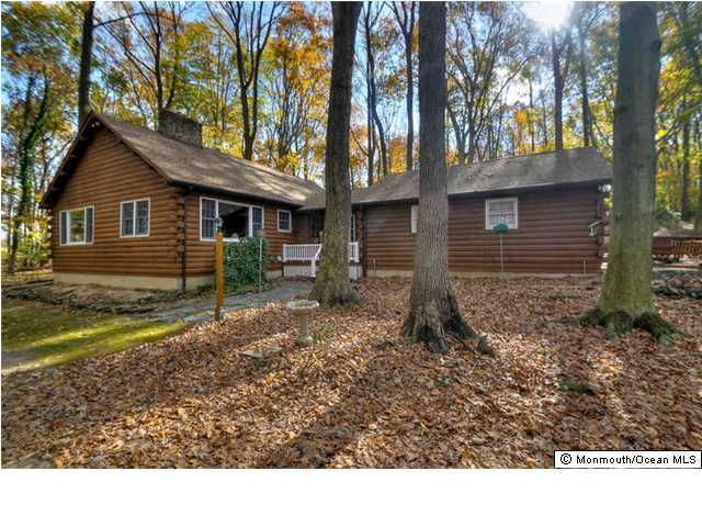 Photo of home for sale at 169 Schoolhouse Road Road, Wrightstown NJ
