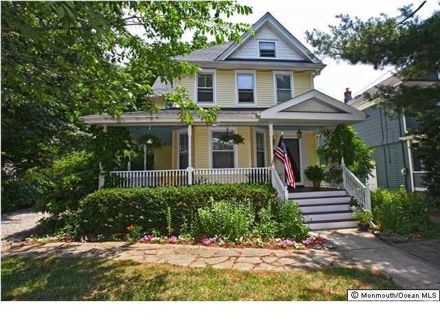 Photo of home for sale at 167 South Street Street, Red Bank NJ