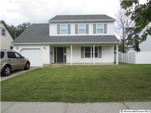 Photo of home for sale at 223 Broadway, Union Beach NJ