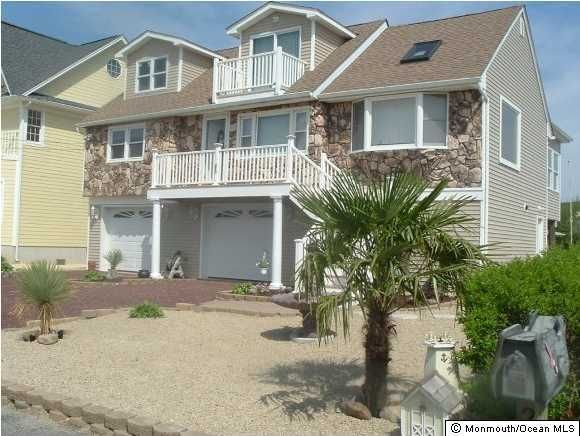 Photo of home for sale at 255 Sandlewood Drive Drive, Bayville NJ