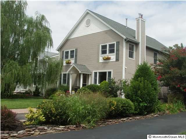 Photo of home for sale at 705 New York Boulevard Boulevard, Sea Girt NJ