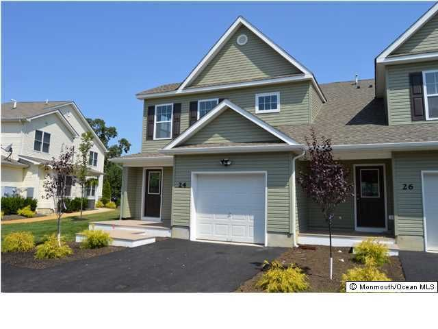 Photo of home for sale at 17 Wiley Way Way, Toms River NJ