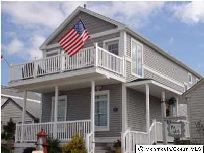 Photo of home for sale at 42 Ocean Avenue Avenue, South Seaside Park NJ