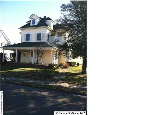 Photo of home for sale at 105 St Clair Avenue Avenue, Spring Lake NJ