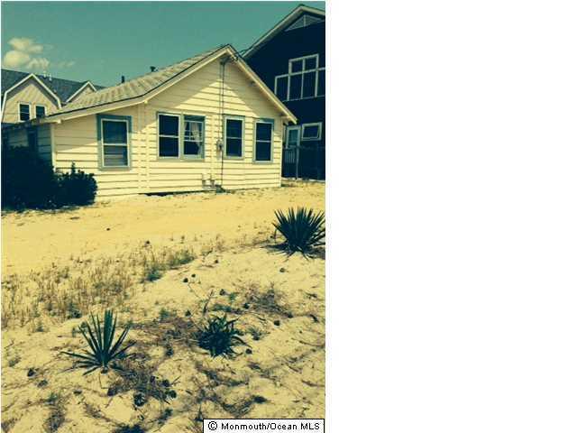 Photo of home for sale at 1208 Ocean Avenue Avenue, Point Pleasant Beach NJ