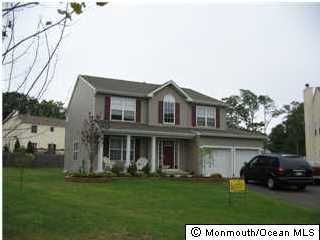 Photo of home for sale at 524 Adamsway Court Court, Toms River NJ