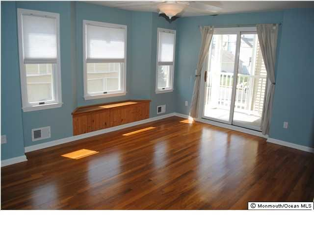 Additional photo for property listing at 107 Brinley Avenue 107 Brinley Avenue Bradley Beach, New Jersey 07720 États-Unis