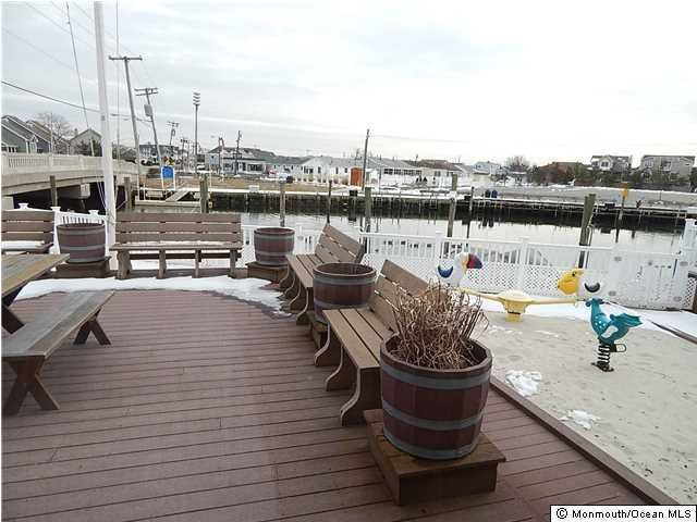 Additional photo for property listing at 525 Perrine Boulevard  Manasquan, New Jersey 08736 États-Unis