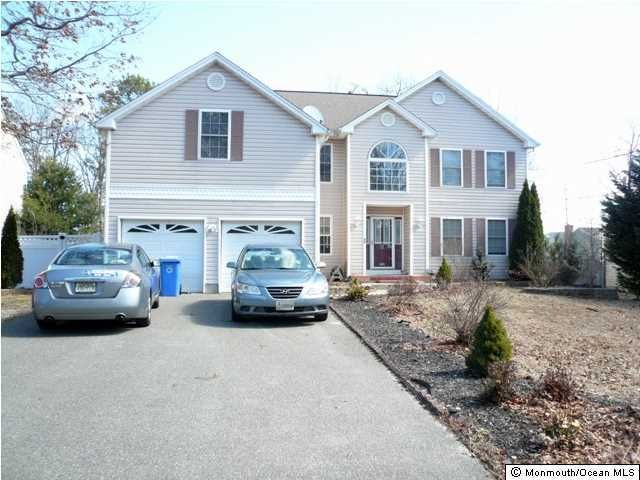 Photo of home for sale at 23 Admiral Avenue Avenue, Manahawkin NJ