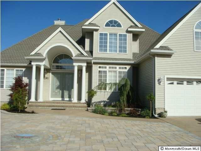 Photo of home for sale at 3291 Churchill Drive Drive, Toms River NJ