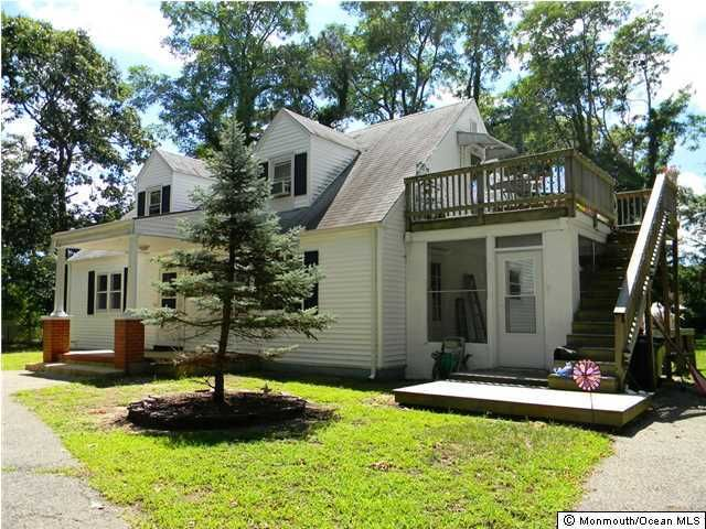 Photo of home for sale at 204 Chatham Lane Lane, Point Pleasant NJ
