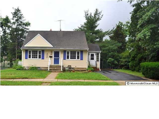 Photo of home for sale at 91 Barkalow Avenue Avenue, Freehold NJ
