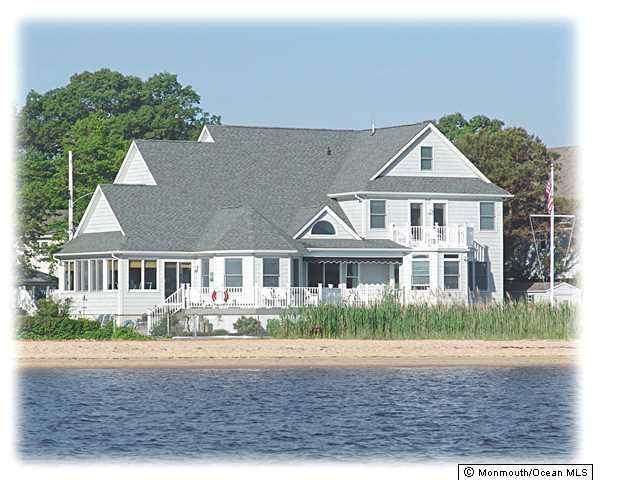 Photo of home for sale at 37 Avalon Avenue Avenue E, Ocean Gate NJ