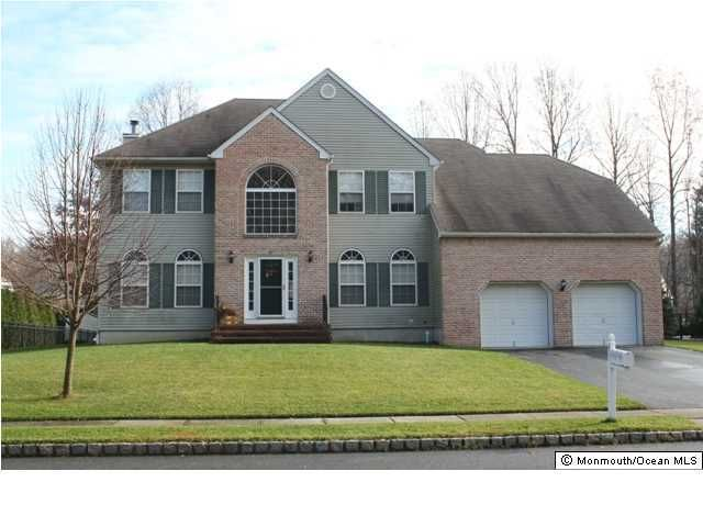 Photo of home for sale at 356 Meadowood Road Road, Jackson NJ