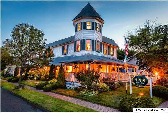 Photo of home for sale at 4th Avenue Avenue, Belmar NJ