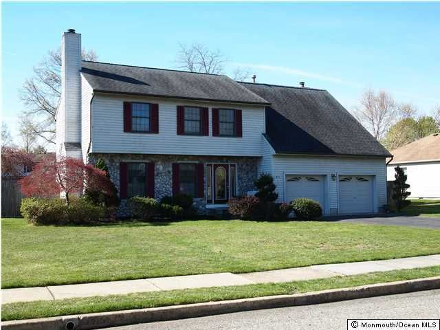 Photo of home for sale at 841 Brown Court Court, Toms River NJ