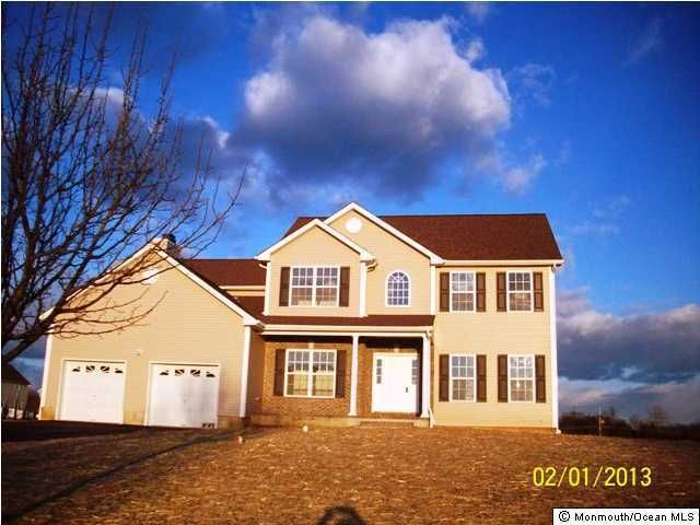 Photo of home for sale at 52 Huckleberry Lane Lane, New Egypt NJ