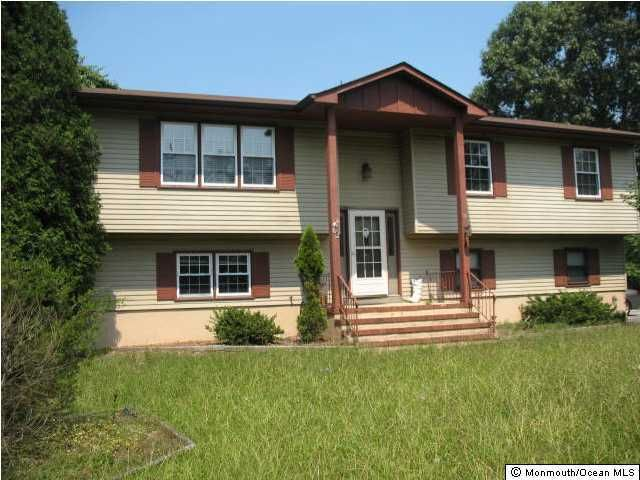 Photo of home for sale at 92 Ford Road Road, Howell NJ