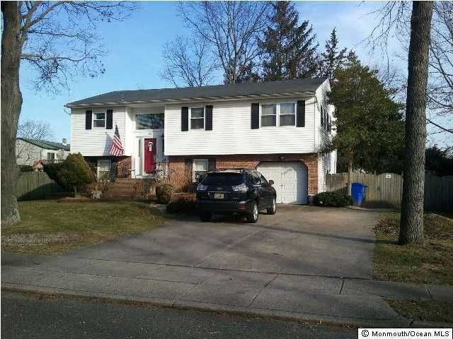 Photo of home for sale at 96 Twin Rivers Drive Drive, Toms River NJ