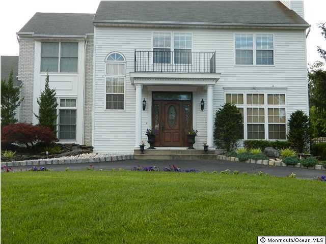 Photo of home for sale at 16 Empress Court Court, Freehold NJ