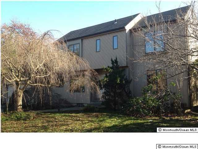 Photo of home for sale at 1715 New Hampshire Avenue Avenue, Toms River NJ