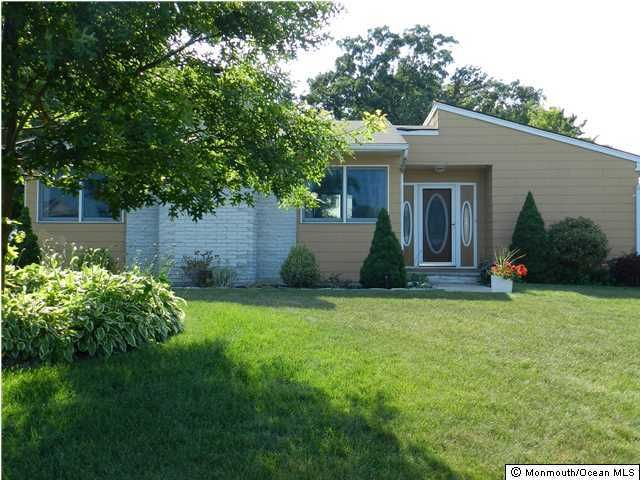 Photo of home for sale at 1174 Fern Street Street, Toms River NJ