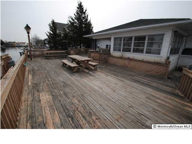 Additional photo for property listing at 14 Point Road 14 Point Road Toms River, New Jersey 08753 Amerika Birleşik Devletleri
