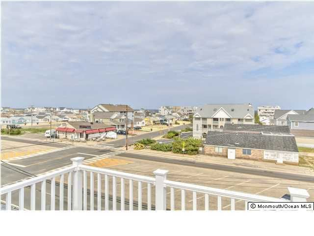 Additional photo for property listing at 93 21st Avenue 93 21st Avenue Seaside Park, New Jersey 08752 États-Unis