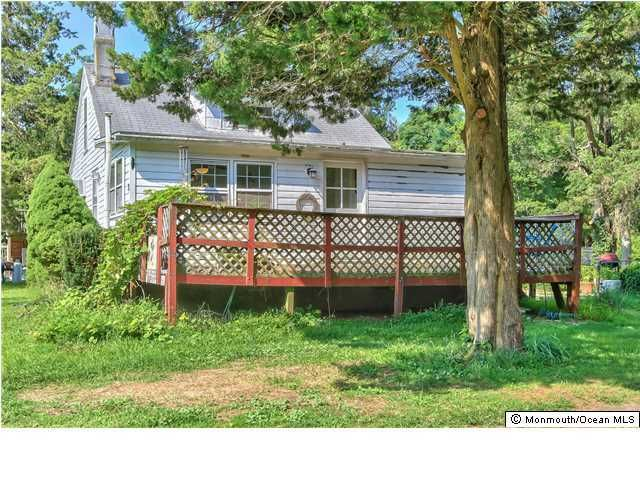 Photo of home for sale at 23 Seameadow Drive Drive, Little Egg Harbor NJ