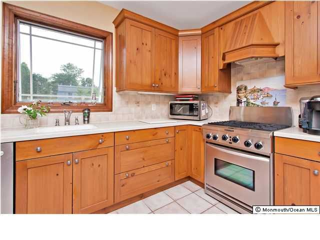 Additional photo for property listing at 211 Brielle Avenue 211 Brielle Avenue Brielle, New Jersey 08730 États-Unis