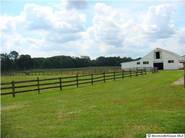 Additional photo for property listing at 148 County Road 537  Colts Neck, New Jersey 07722 United States