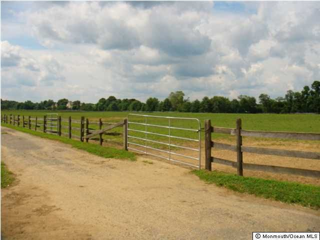 Additional photo for property listing at 148 County Road 537  Colts Neck, 新泽西州 07722 美国