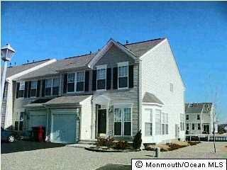 Photo of home for sale at 1 Osprey Lane Lane, Bayville NJ