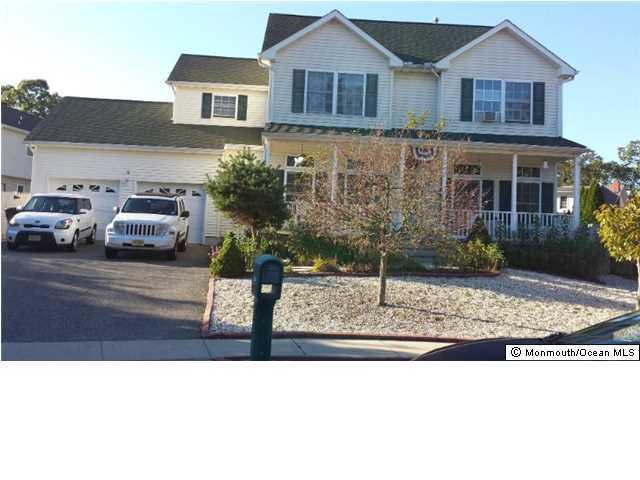 Photo of home for sale at 834 Victory Avenue Avenue, Brick NJ