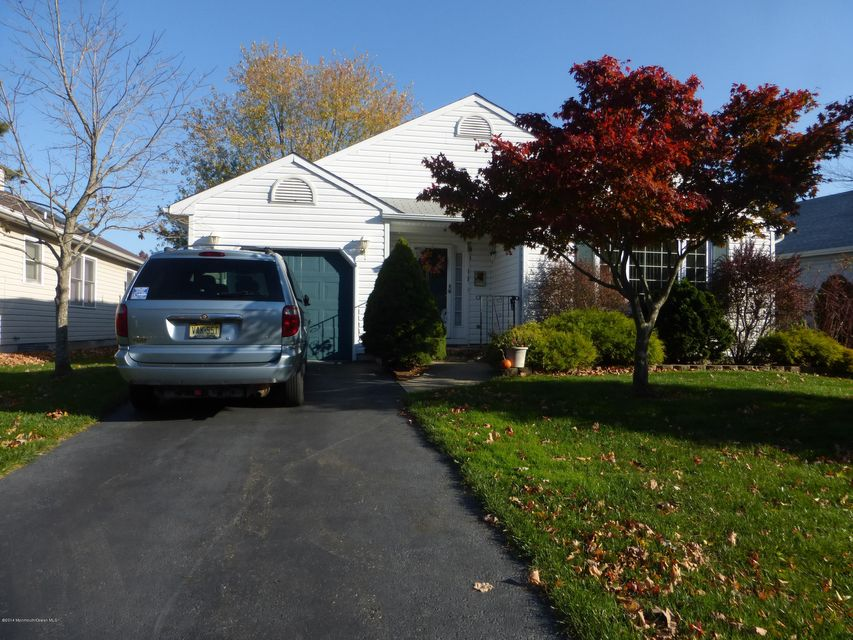 独户住宅 为 销售 在 4 Brant Drive 布里克, 新泽西州 08724 美国