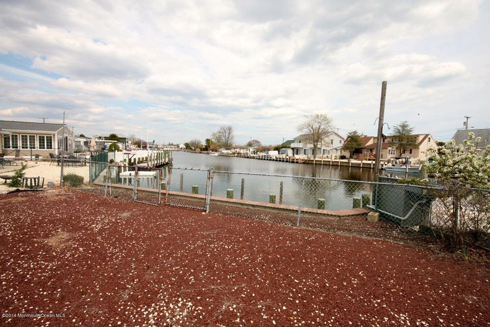 Additional photo for property listing at 223 Bay Shore Drive 223 Bay Shore Drive Barnegat, Нью-Джерси 08005 Соединенные Штаты