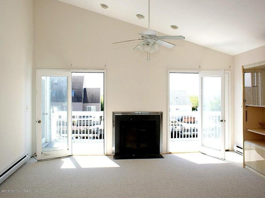 Casa Unifamiliar por un Venta en 108 Eliza Lane Manahawkin, Nueva Jersey 08050 Estados Unidos