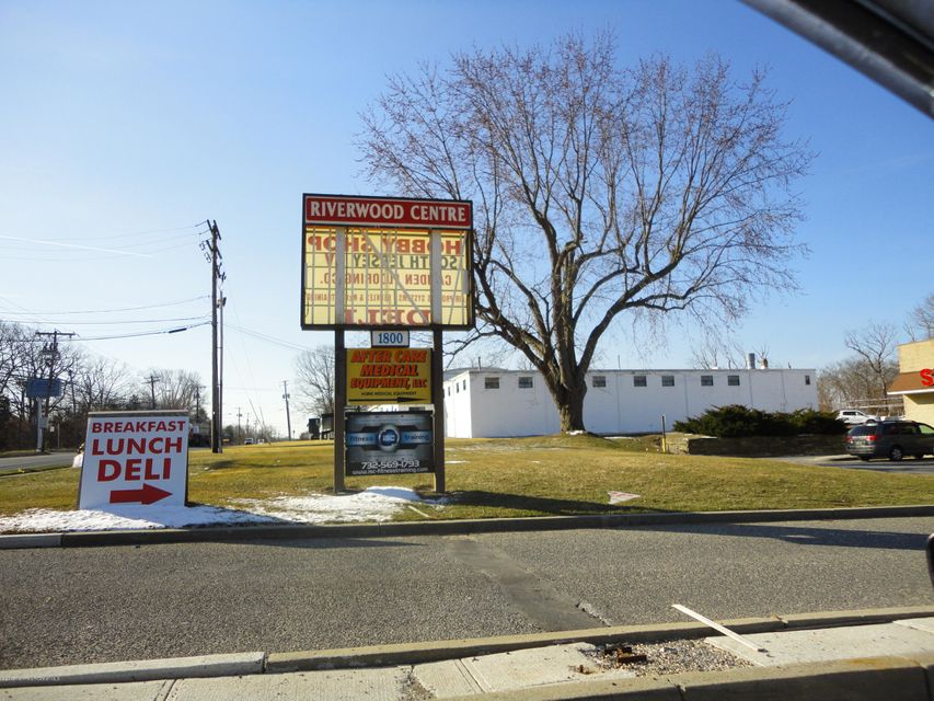Photo of home for sale at Route 9 S, Toms River NJ